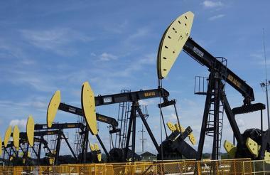 Máquinas de explotación de petróleo.