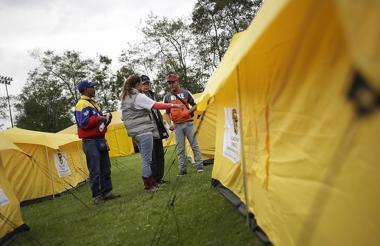 En las horas de la mañana se inició el proceso de traslado de los migrantes venezolanos que se encontraban en el campamento informal el salitre.