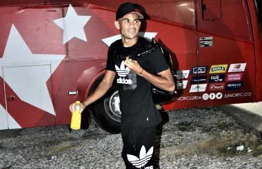 El delantero guajiro Luis Díaz saliendo ayer del entrenamiento del Junior.