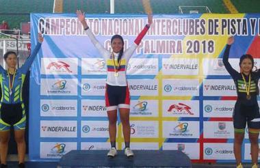 La ciclista atlanticense Marianis Salazar participa.