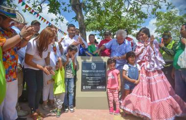 Alcalde de Soledad, Joao Herrera, durante el evento inaugural del Polideportivo Los Robles.
