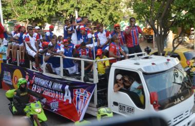 Caravana de homenaje al Unión Magdalena por parte de su fiel hinchada.