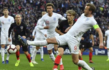 Kane anotó sobre el final el tanto del triunfo inglés.