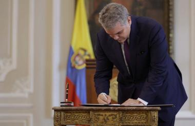 El presidente de la República, Iván Duque Márquez, firmó este lunes el decreto por el cual se establece el Plan de Acción Oportuna de Prevención y Protección para los Defensores de Derechos Humanos, Líderes Sociales y Comunales (PAO).