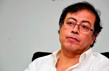 Gustavo Petro, senador y exalcalde de Bogotá, dio el anuncio a través de Twitter.