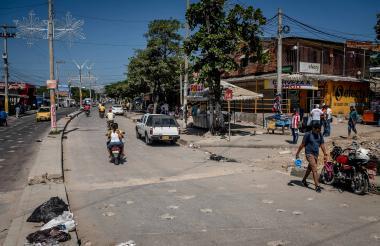 Panorama de la calle 76 con carrera 6, en San Martín, uno de los sectores icónicos del barrio El Bosque.