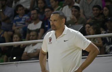 Tomás Díaz, entrenador del quinteto de los Titanes.