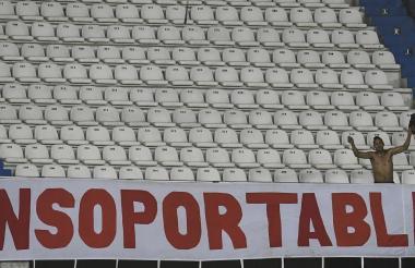Los hinchas y seguidores del Junior lo han dejado solo este año. No lo han acompañado al estadio cada vez que juega.