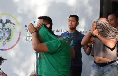 Familiares de 'La Madame' son trasladados a la cárcel.