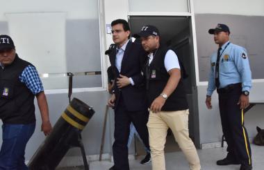 El exrector de la Universidad Autónoma cuando era trasladado de la URI al Centro de Servicios de Barranquilla.