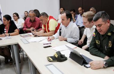 El secretario del Interior, Guillermo Polo, explica una parte de la sentencia.