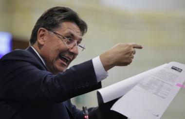 Néstor Martínez, fiscal general durante el debate del pasado martes en el Congreso.