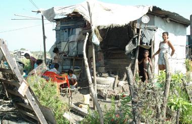 La pobreza en la Región Caribe es una de las variables que se pretende erradicar con la descentralización .