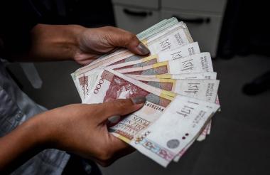 El peso colombiano se fortaleció.