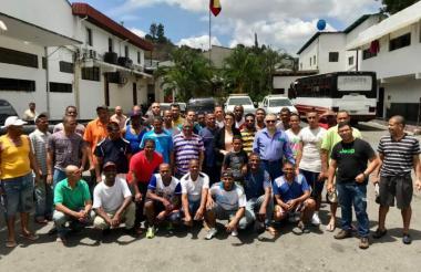Parte del grupo de colombianos presos en Caracas.