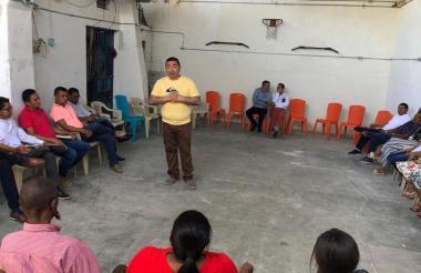 Aspecto de la reunión en la cárcel de Sabanalarga.
