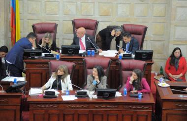 Aspecto de la sesión de las comisiones sextas de Senado y Cámara en el recinto del Congreso.