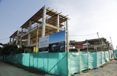 Edificio en construcción del colegio de Sta .Verónica.