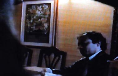 Captura del polémico video de Gustavo Petro, líder de Colombia Humana, recibiendo dinero en efectivo.