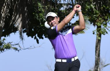El golfista Darwin Suárez en la competencia.