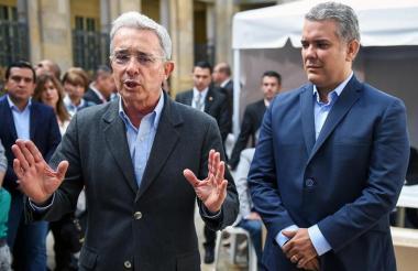 Aunque las relaciones con algunos congresistas del Centro Democrático no son las mejores, el presidente Iván Duque mantiene excelentes relaciones con el expresidente Álvaro Uribe.