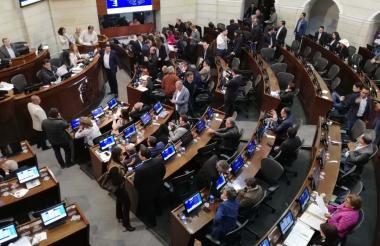 El proyecto legislativo fue discutido el pasado domingo en la noche en la plenaria del Senado.