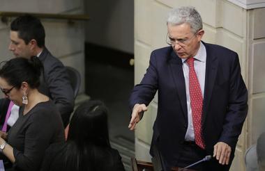 Álvaro Uribe, senador.