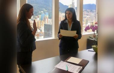 María Elia Abuchaibe durante su posesión como nueva gerente de Fonade.