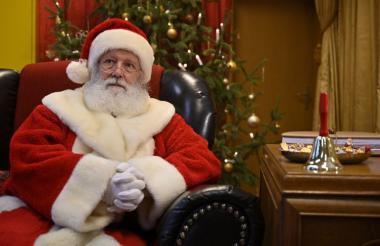 Papá Noel ya está en su oficina en el Polo Norte.