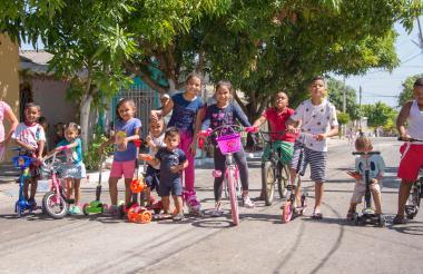 Los niños del barrio El Santuario salieron desde muy temprano a disfrutar de los obsequios que les dejó el Niño Dios.