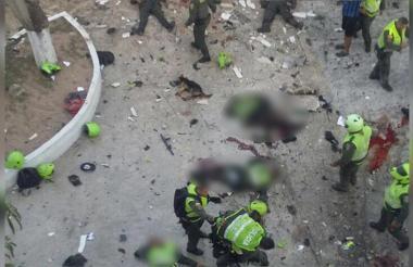 Momentos después del atentado a la estación de Policía en el barrio San José de Barranquilla.