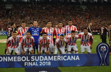 El onceno titular de Junior que disputó la final de la Copa Sudamericana ante Atlético Paranaense en Curitiba (Brasil).