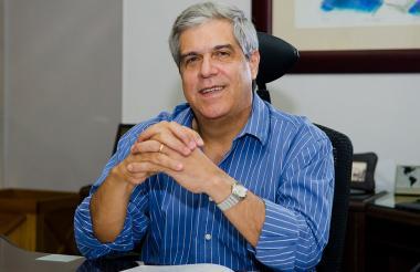 El gerente general de la empresa Gases del Caribe, Ramón Dávila Martínez.