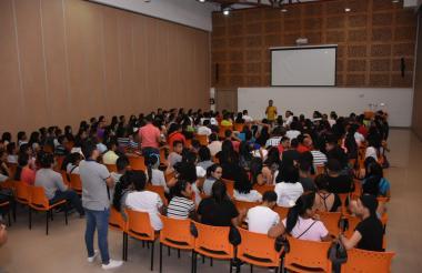 Los estudiantes están acudiendo masivamente a participar a las asambleas de sus facultades.