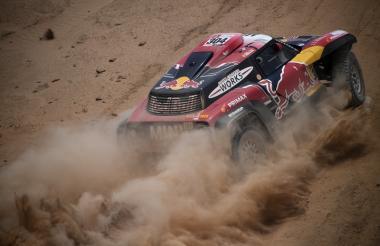 El piloto francés Stephane Peterhansel, vencedor en la tercera jornada del Rally Dakar.