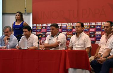 Antonio Char en la rueda de prensa junto a Suárez.
