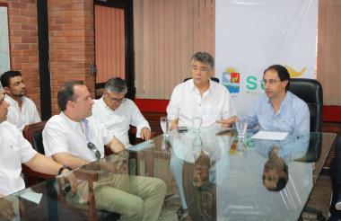 Édgar Martínez, gobernador de Sucre, y José Manuel Restrepo, ministro de Comercio, Industria y Turismo.