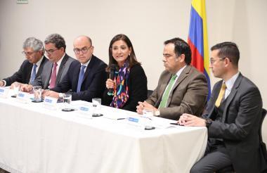 Ángela María Orozco, ministra de Transporte, durante su intervención.