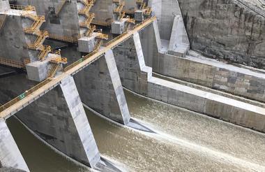 Empresas Públicas de Medellín (EPM) realizó la apertura de tres compuertas del vertedero del proyecto de Hidroituango.
