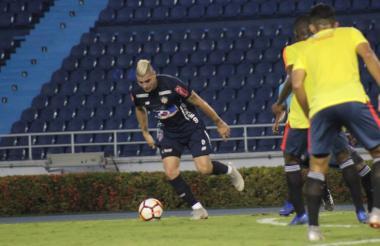 Michael Rangel en un pasaje del juego entre Junior y el combinado nacional que terminó 0-0.