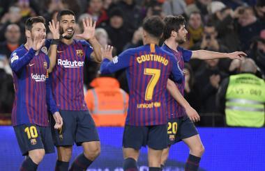 Jugadores del Barcelona celebrando uno de los goles.