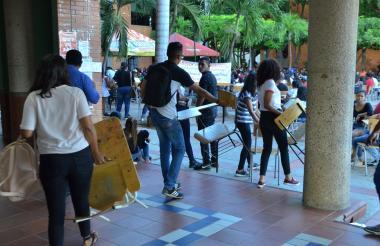 Algunos estudiantes de la Universidad del Cesar.