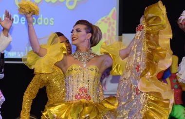 Reashell Muñoz, soberana de las fiestas Lgbt, durante la presentación.