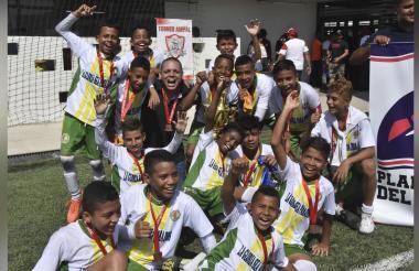 Así fue el festejo del equipo Unión Ciénaga luego conseguir el título en Asefal.