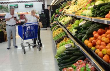 Alimentos en un supermercado local.
