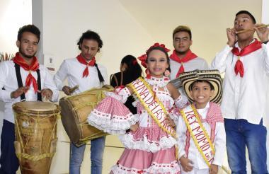 Los reyes del Carnaval Educativo de las Artes.