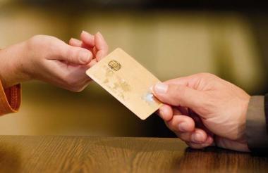 Una tarjeta de crédito.