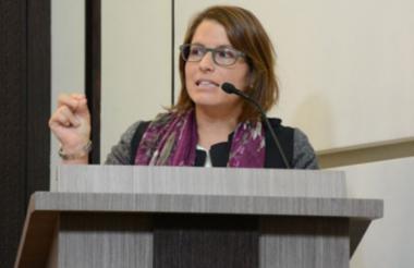 Juanita Goebertus.
