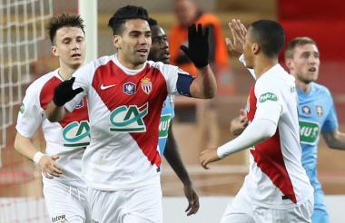 Falcao festejando su gol de ayer ante el Metz.