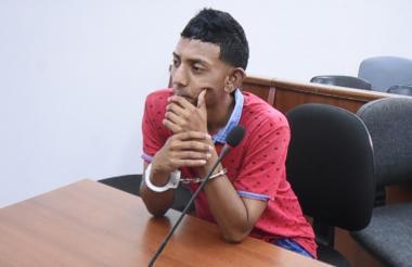 Osnaider José Salas Pérez, antes de iniciarse las audiencias en su contra.